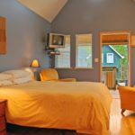 holiday cabin ucluelet